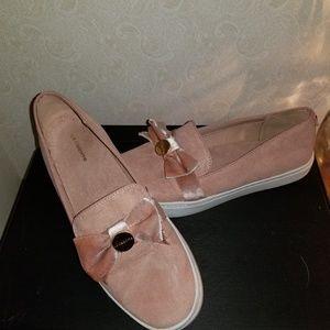 Liz Claiborne velvet loafer